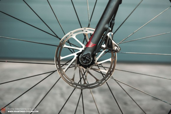 Focus: Focus has a proprietary patented quick release thru-axle system called R.A.T. that allows for super fast wheel changes.