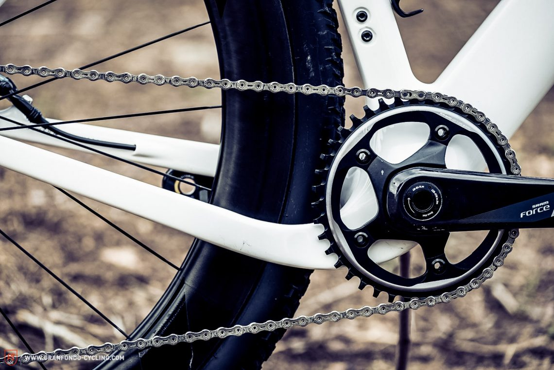 The 3T is compatible with both 1X11 setup and front derailleur.