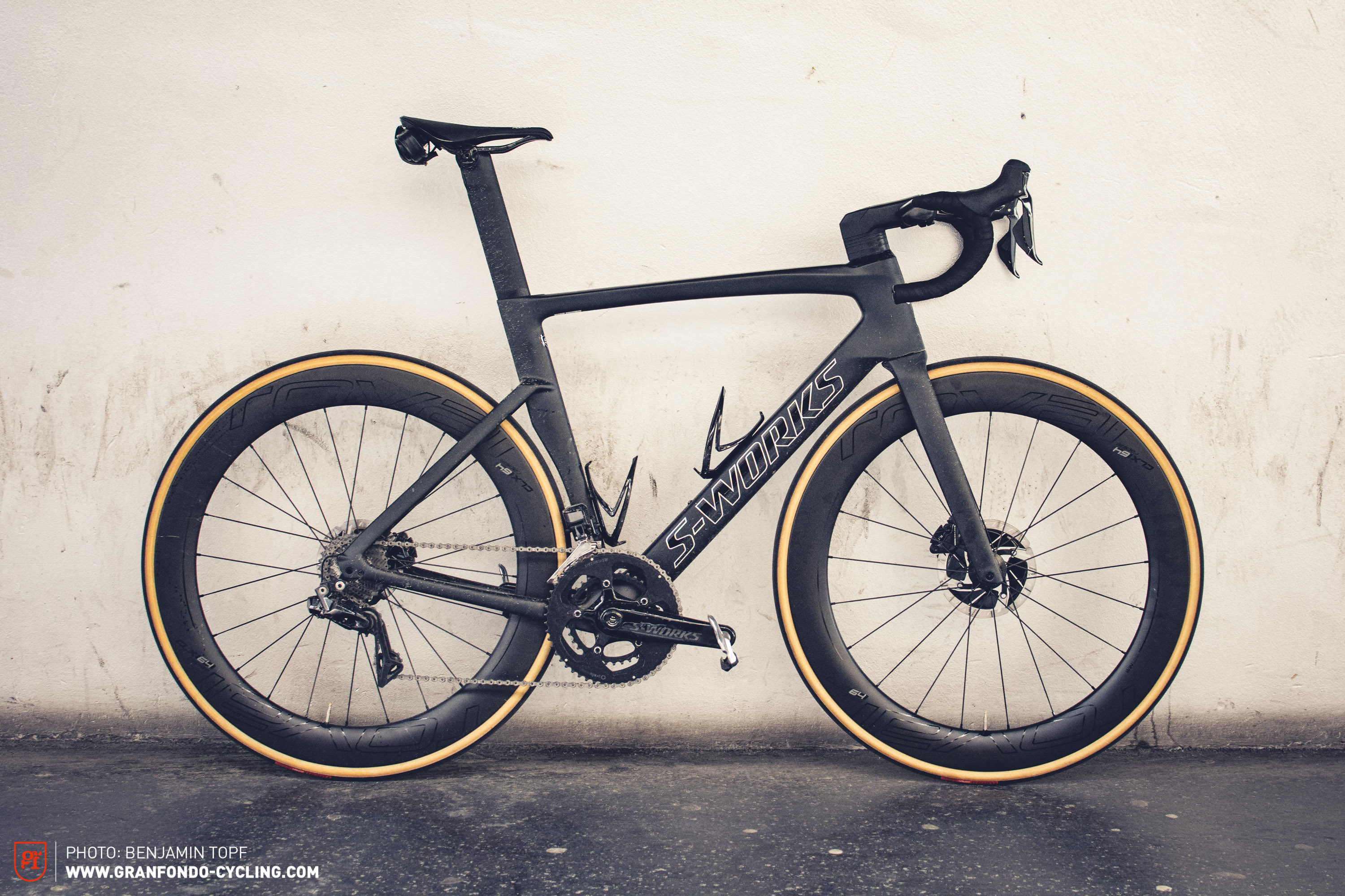 Specialized S-Works Venge Di2 2019 on test | GRAN FONDO