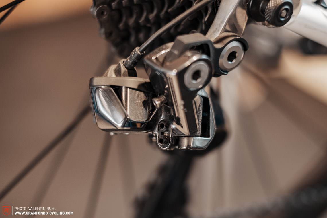 How to adjust an electronic road bike groupset – Shimano Di2