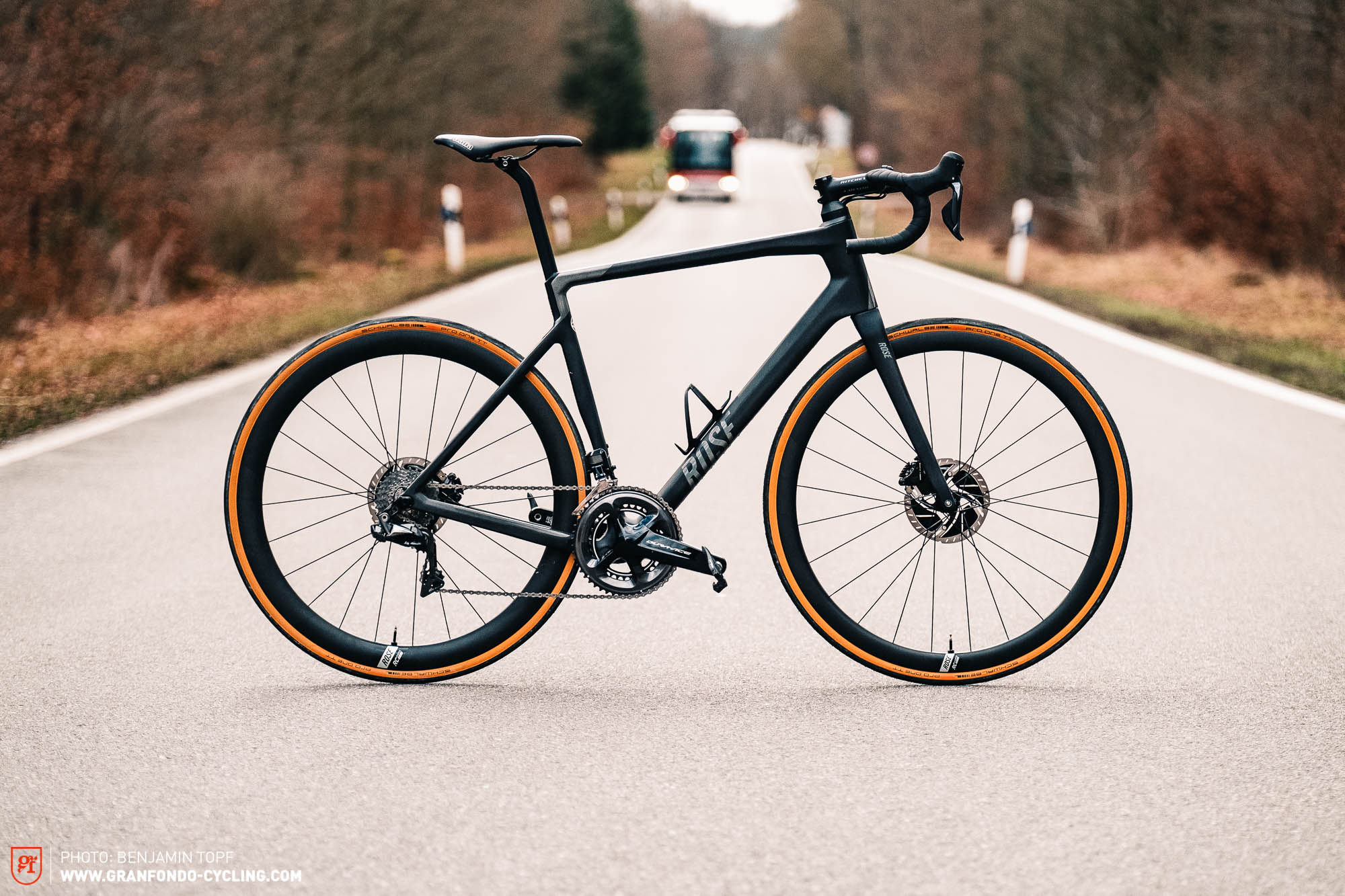 ROSE has reinvented its bike, introducing the long distance design for the first time with the new ROSE REVEAL – we took it out at Mallorca and the streets of Stuttgart for an exclusive first ride review.